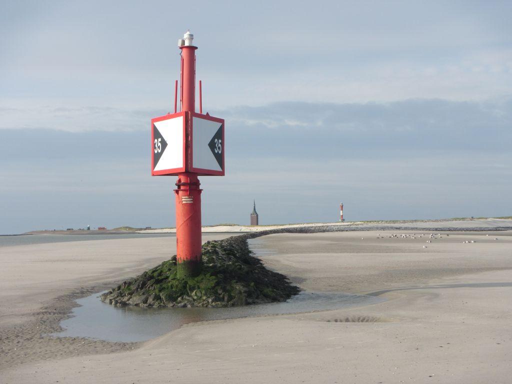 Wangerooge Hafeneinfahrt Ebbe Westturm Leuchtturm
